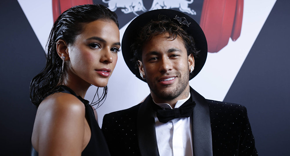 Neymar Celebrates His Beautiful Girlfriend Bruna Marquezine
