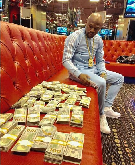 Floyd Mayweather reveals Why he lives a Flamboyant Lifestyle