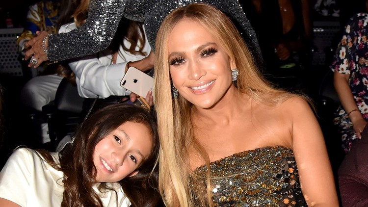 Jennifer Lopez Praises Daughter For Writing Her Very First Book (Photo)